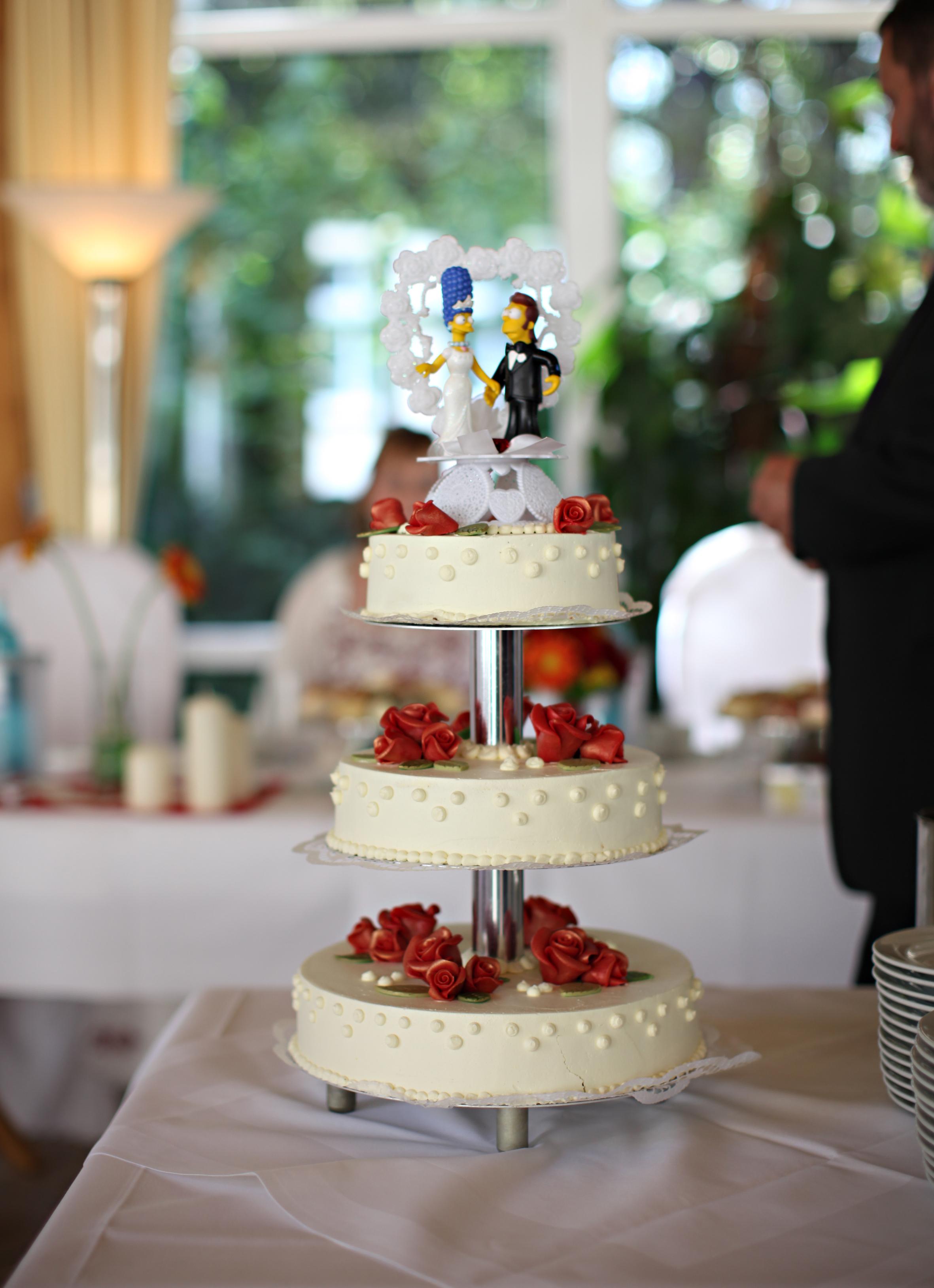 Romantische Hochzeitstorte Mit The Simpsons Figuren Wedding Deluxe