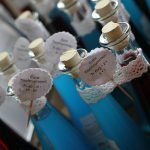 Likör in edlen Flaschen als Tischnummer...